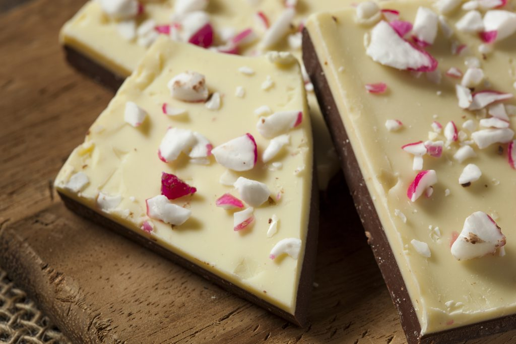 Tastes Like Christmas: Easy Peppermint Bark Recipe